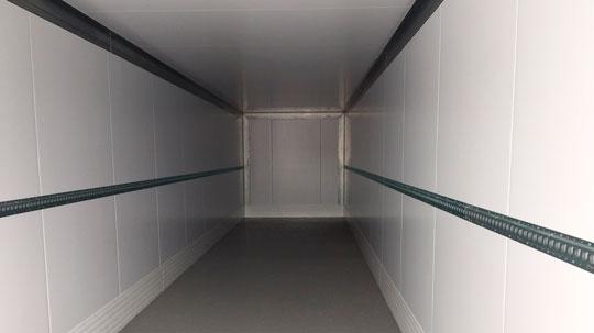 изотермический фургон внутри